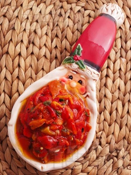 Постна зимна салата с пиперки - снимка на рецептата
